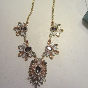 Rhinestone cleopatra necklace
